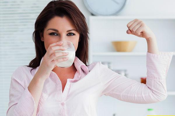 Chỉ 15 phút làm sữa gạo lợi sữa, có ngay sữa mẹ về ướt áo