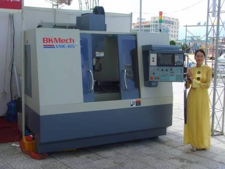 Máy phay CNC Made in Việt Nam - Made by BKMech | BKMech Máy CNC