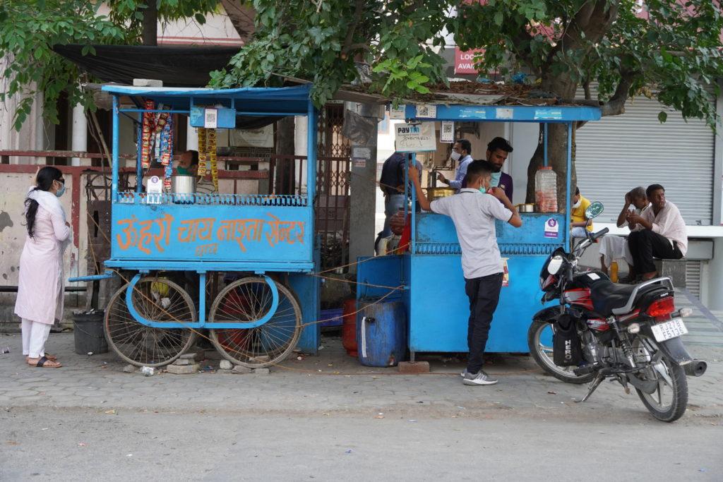 xe bán thức ăn đường phố Ấn Độ