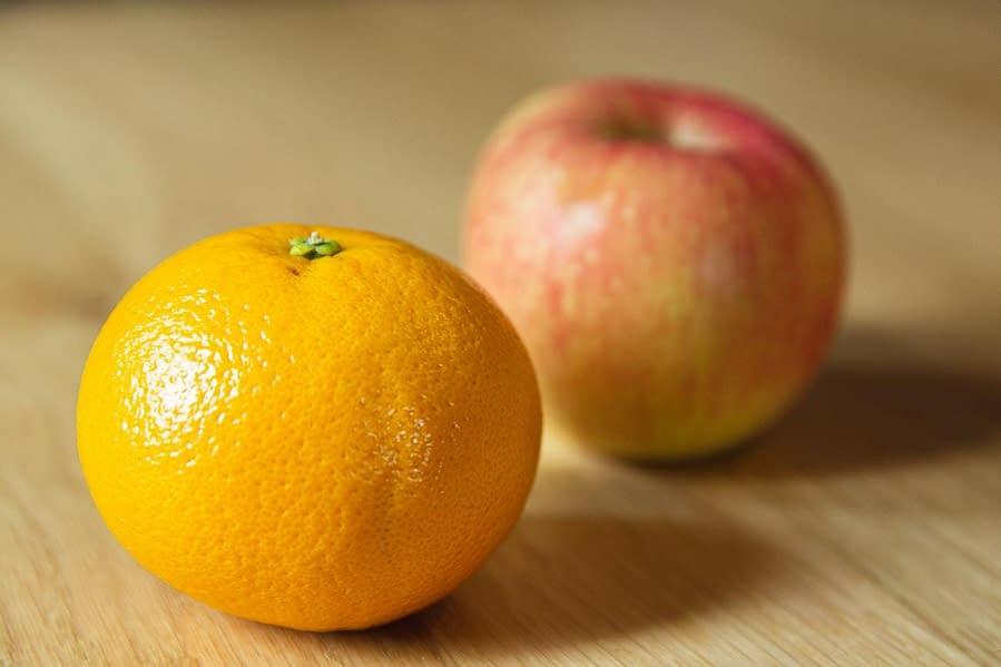 Táo và cam