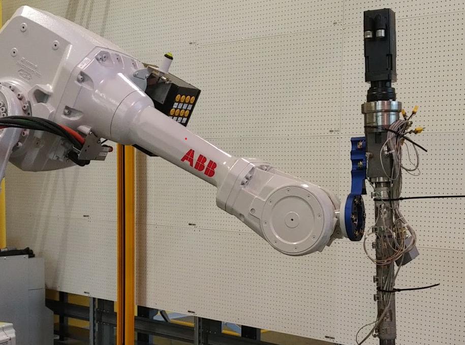 Industrial-robot-arm-autodesk-generative-design-field-lab