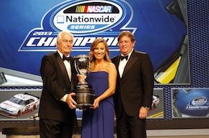 Roger Penske gần đây đã nhận cúp Giải vô địch các chủ sở hữu sê-ri toàn quốc năm 2013 bởi đội Penske Racing Ford số 22.
