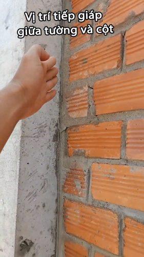 Nứt tại vị trí tiếp giáp giữa tường và cột